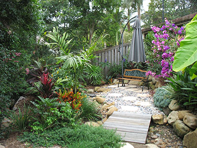 Tropical garden designs for small gardens for Garden design queensland